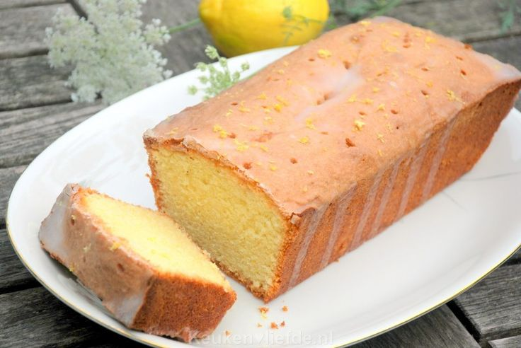 Eenvoudige citroencake - lemon drizzle cake