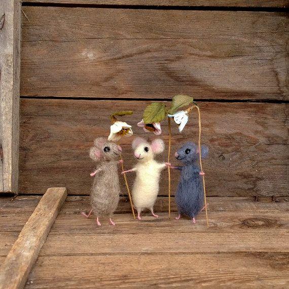 Vilten speelgoed miniatuur muizen bruin grijs wit muis met bloem Mini wol dier naald voelde Collectible Dollhouse mini Waldorf pop klein dier