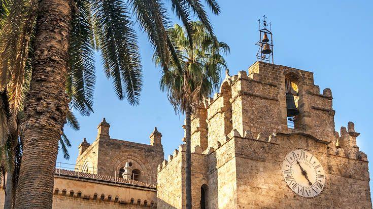 Der Dom von Monreale in der Nähe von Palermo gehört insbesondere wegen seiner Mosaiken zu den meistbesuchten Sehenswürdigkeiten Palermos http://www.trip-tipp.com/sizilien/ausfluege-stadt/palermo.htm#DuomoMonreale