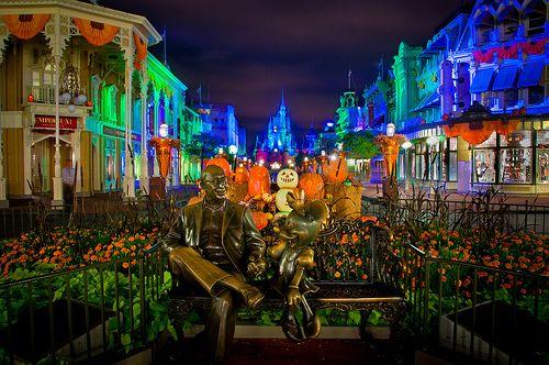 Halloween!: Walt Disney, Disney World, Disney World Halloween, Disney World Pictures, Disney Halloween, Disney World At Halloween, Scary Halloween Parties, Maine Street, Spooky Halloween
