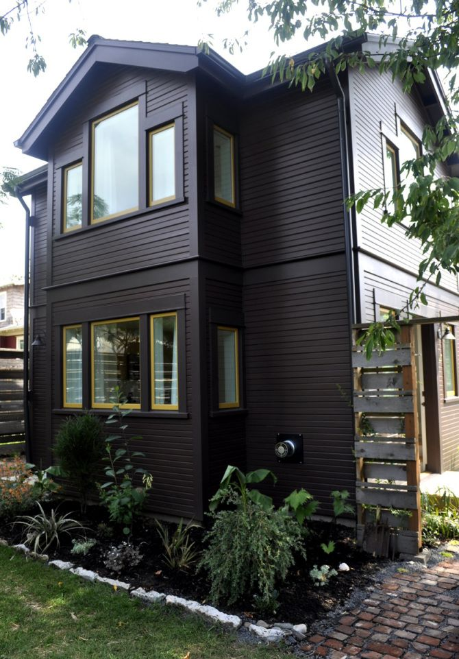 This tiny 2storey guest cottage has one bedroom in 342 sq