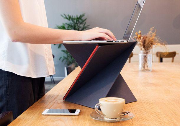 Сингапурский дизайн. Портативная подставка под ноутбук для работы стоя!