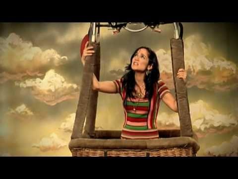 """Canción de la semana: """"Me Voy"""" por Julieta Venegas"""