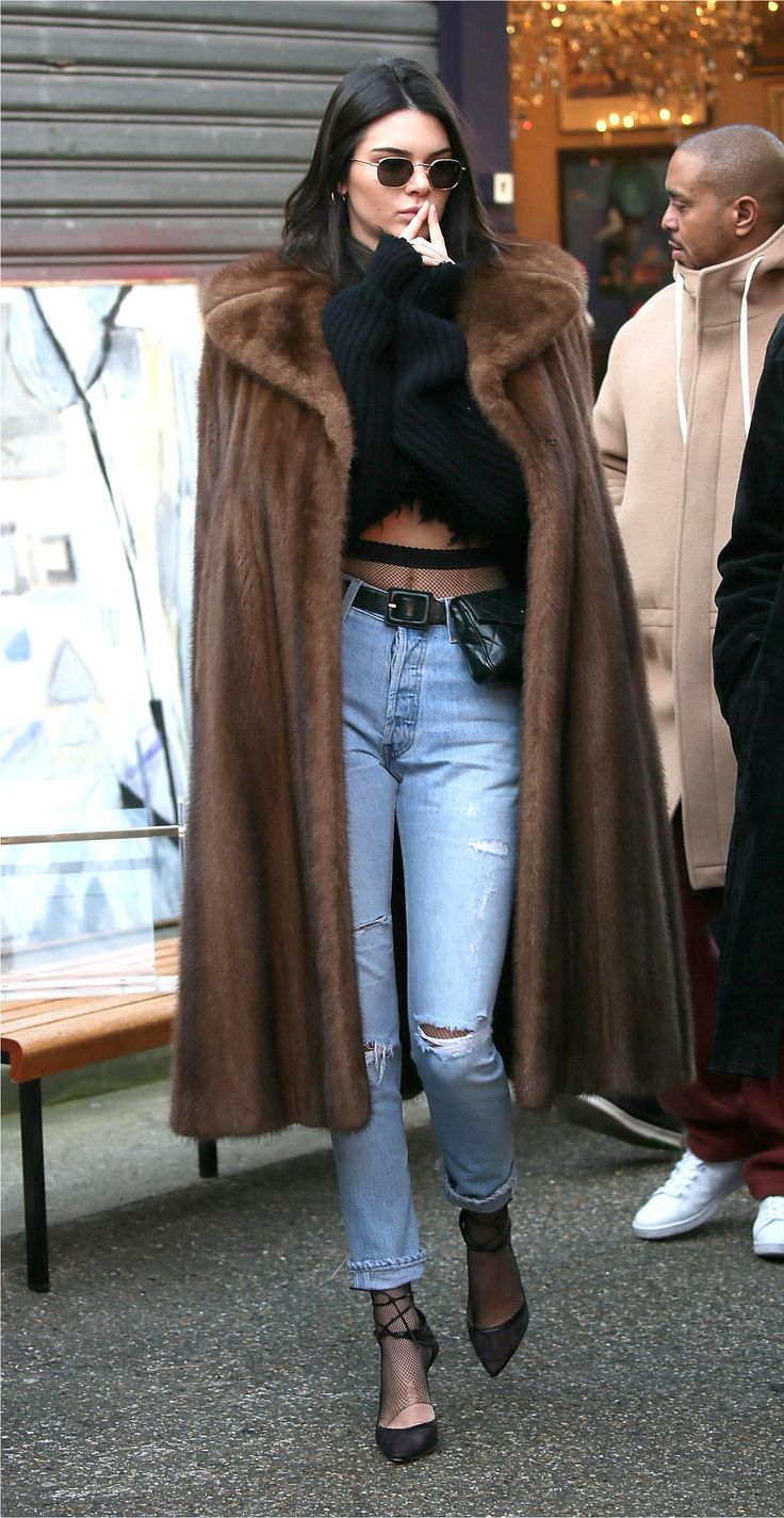 Kendall Jenner Style - Outfit Ideas to copy right now | fall fashion