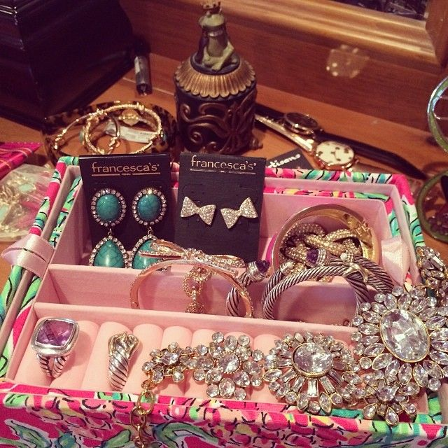 holyprepster:  Spotted in my jewelry box: @francescascollections jewels! Love these earrings! #franJOY #FranHaul