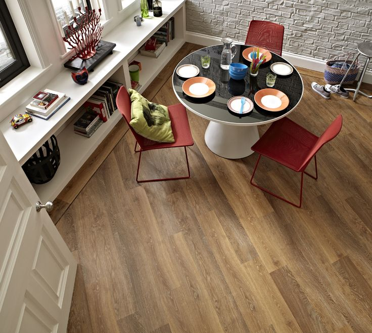 Karndean Classic Limed Oak Knight Tile Vinyl Flooring Has Subtle Copper Tones And A Limed Finish Along With A Soft Texture To Replicate Their Distinctive