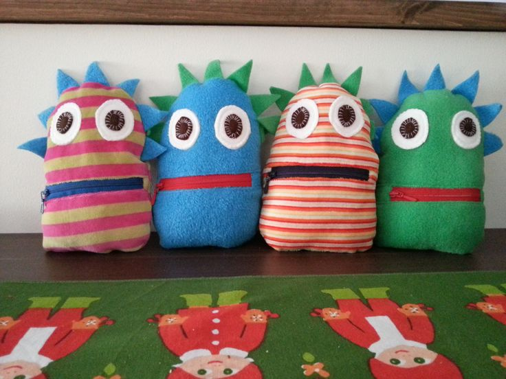 """DIY """"worry monsters"""". Write your worries/sorrows/fears down, put the paper into monster's mouth, shut the zipper and no more worries :D"""