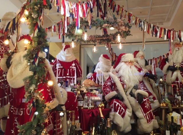 #サンタ #ロンドン #クリスマス #海外旅行 #海外生活 #ショーウィンドウ #ショッピング #サンタさんへ #インスタ映え #オックスフォードストリート #ヨーロッパ #現地情報 #みゅうロンドン #santaclaus #chiristmasiscoming #chiristmas #oxfordstreet #shopping #myulondon
