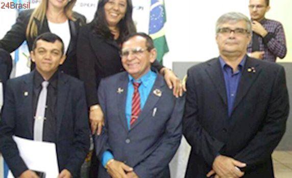 Conselho de Detetives do Piauí homenageia autoridades do estado