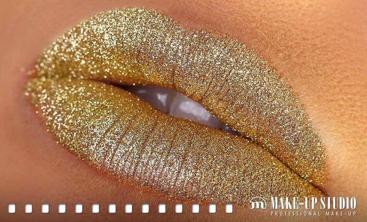 Machiaj auriu pentru buze care atrag cu siguranta atentia oricui! #buzeaurii #machiajbuzeauriu