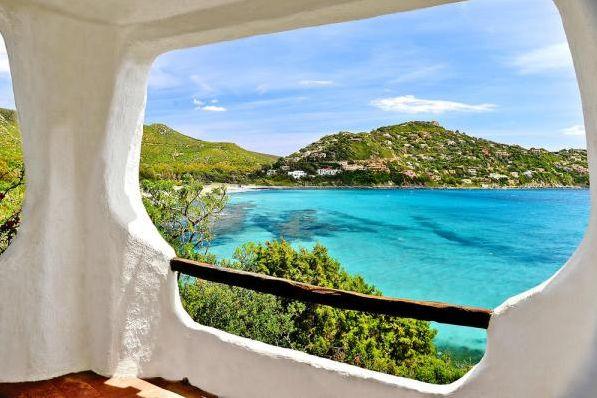 Bella Italia auf Sardinien. Hier könnt ihr euch auch noch im Herbst die Sonne auf den Bauch scheinen lassen.   #villa #ferienwohnung #sardinen #italien #sardegna #sea #meer #italia #relaxtime #holiday #Angebot #Urlaub #reservierennichtvergessen #Urlaub2015 #urlaubsfeeling #treatyourself #eintraumhier #instadaily #beautiful #iminheaven #weltvergessen #herbst #herbstferien #ferien #traum #steinhaus #architektur #instagood #igersitaly