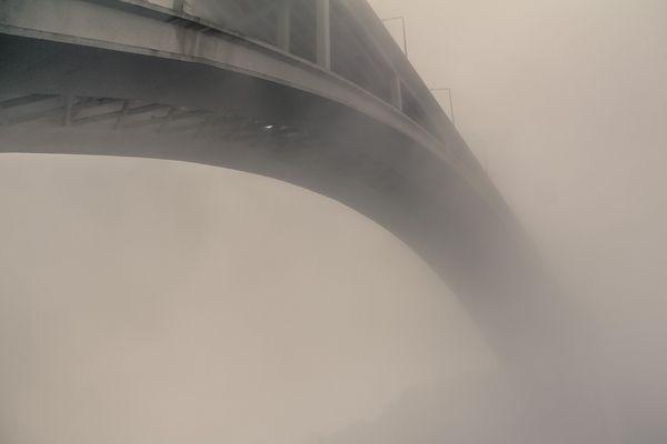 endless fog by Álvaro Martino, via Behance. ¿Hacia dónde?