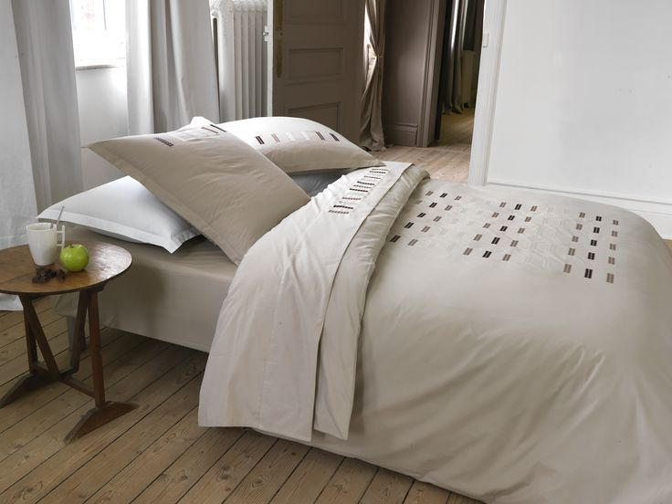 1000 images about linge de lit brod on pinterest for Housse de couette carre blanc