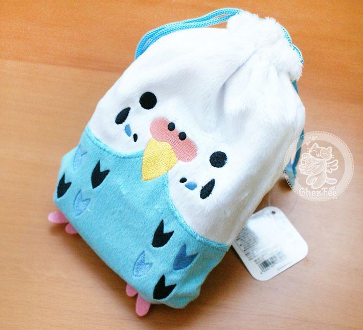 セキセイインコ (Perruche Ondulée) Adorable pochettes en peluche / sac à cordons ~~ Pour ranger vos petits objets ~~:D Ce petit sac qui vient de Tokyo est teeeeellement doux et de super bonne qualité !! =^w^= vous n'en trouverez que chez nous !;) - boutique kawaii en ligne www.chezfee.com