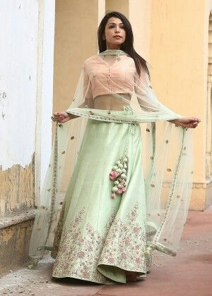 Green silk lehenga #bridalinspiration #vasansi #jaipur #vasansijaipur #bridal #lehenga Shop Now: http://www.vasansi.in/lehengas/bridal-lehenga