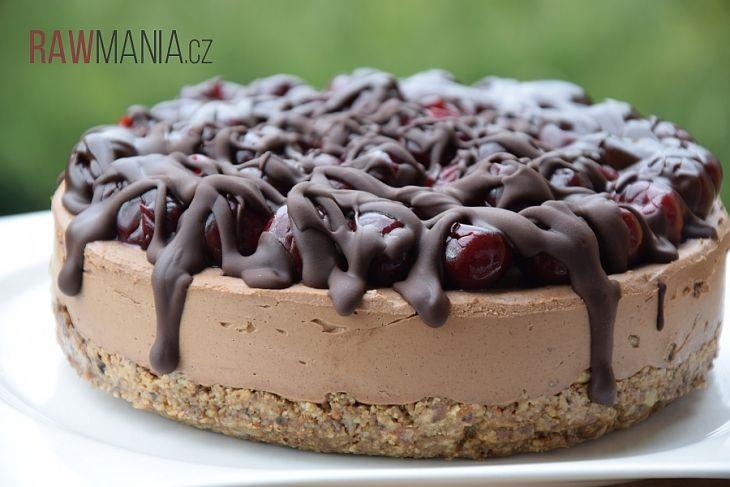 Raw čokoládovo-višňový dort