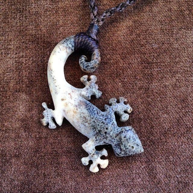 「#hand #carved #hawaii #big #island #kona #gecko #mo'o #necklace #polynesian #tribal #organic #original #nature #Repurposed #walrus #knuckle #bone Broken…」