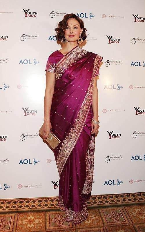 Эшли Джадд, посол YouthAIDS, на гала-концерте «Лица Индии», в отеле «Ritz-Carlton» в Вирджинии.