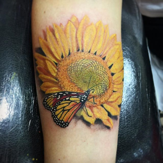 Only best 25 ideas about sunflower tattoo meaning on for Sunflower tattoo thigh