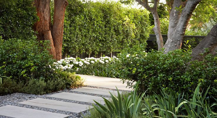Jack Merlo Garden Design ~ Home and Courtyard. Love the large format pavers.