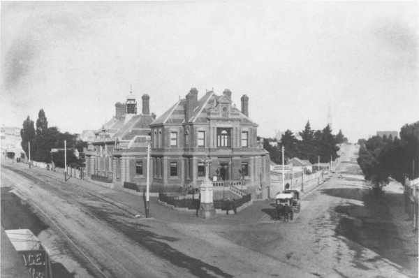 Kew Post Office, corner High Street and Cotham Road, c. 1890. Preserved today as QPO Bar and Restaurant