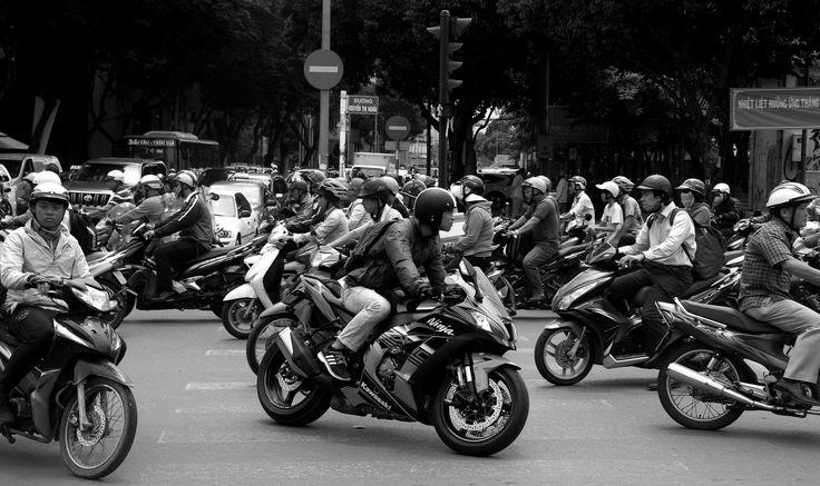 https://flic.kr/p/VqeVwf | streets of saigon