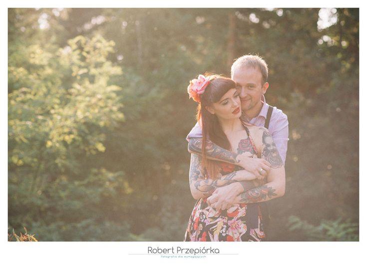 sesja ślubna w plenerze Warszawa fotograf: Robert Przepiórka zakochani: Asioa i Marcin  cala sesja jest tu: https://robertprzepiorka.pl/sesja-slubna-poslubna-asia-marcin/ #sesjaslubnawarszawa #zdjeciaslubnewarszawa #wedding #weddingphotography