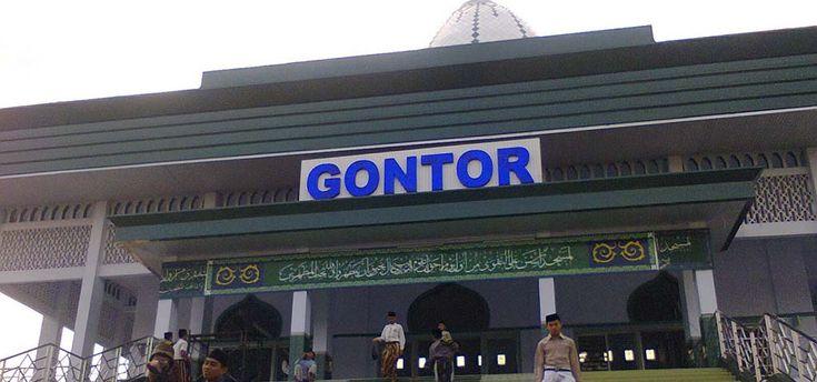 pondok modern darussalam Gontor. modern Islamiccollege Darussalam Gontor