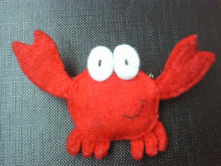 Broche de cangrejo hecho a mano con fieltro :)