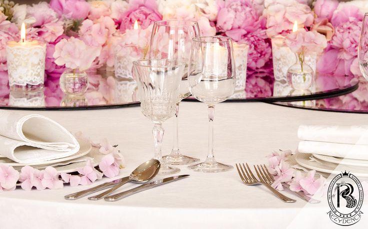 Weselne Dekoracje w #RezydencjaHotel wykonane przez Angello Studio Dekoracji. #wesele #wedding #kwiaty #flowers
