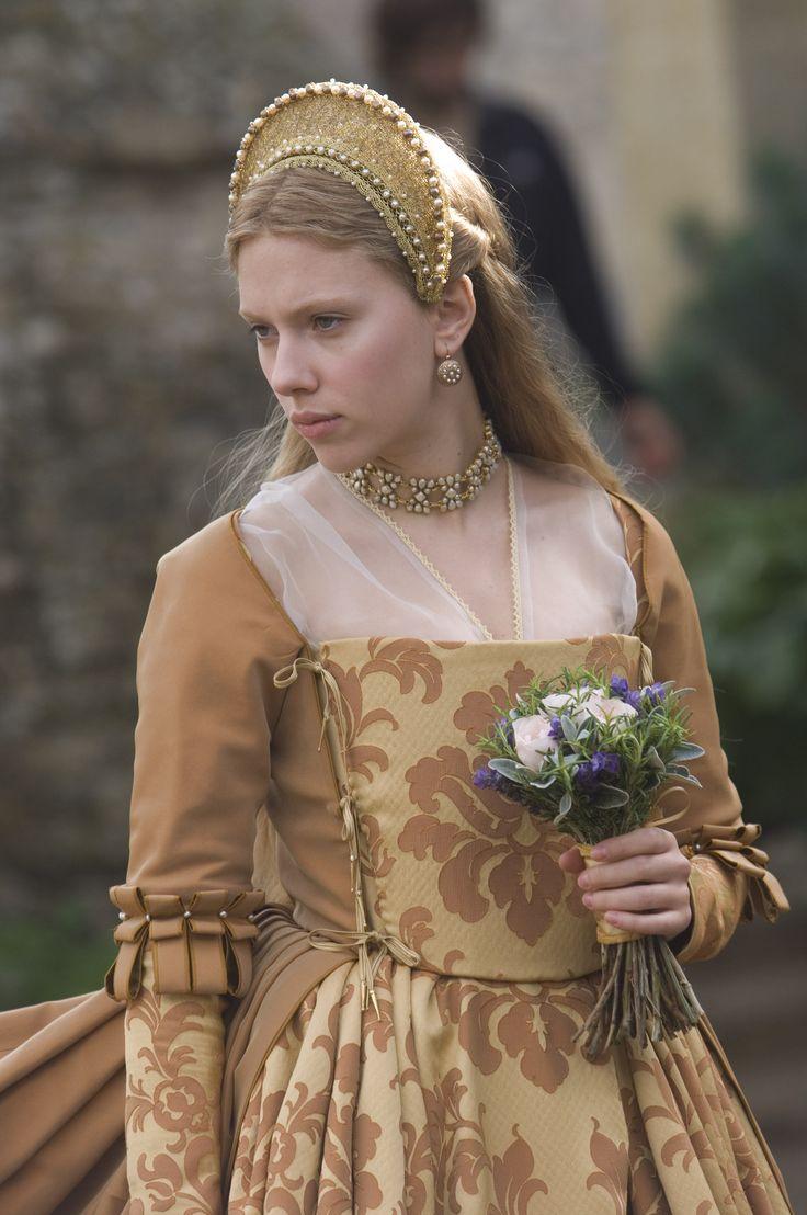 Mary Boleyn's gold brocade dress from the movie The Other Boleyn Girl (2008)