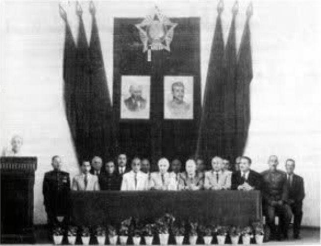آذربایجان «خودمختار» شد و پیشهوری، نخستوزیر