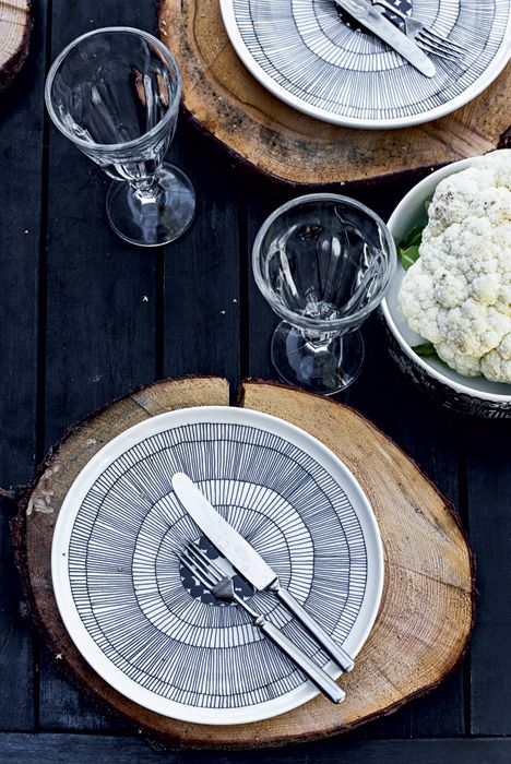 Lollo's Design Files: Finnishing Touch: And look! What other type of placemat could possibly be used in a Finnish summerhouse than timber offcuts? With Marimekko plates on top, every meal would be a feast on this summer holiday. Image from BoligLiv Photography Krista Keltanen.