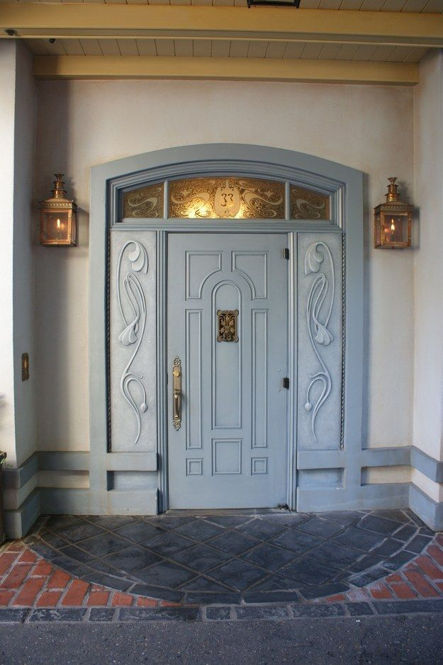 There's a new main entrance door to Club 33.