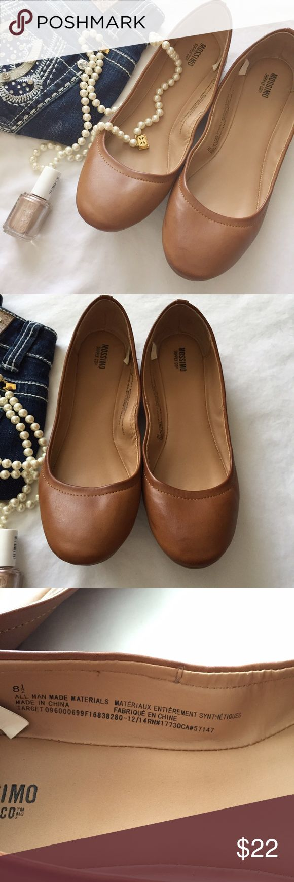 Mossimo brown basic flats Beautiful closet staple! Brown flats that look great with everything from jeans to sundresses to work slacks. These will be your new favorite shoes, for sure! Only worn a couple of times - almost no wear, even on the sole. Mossimo Supply Co. Shoes Flats & Loafers