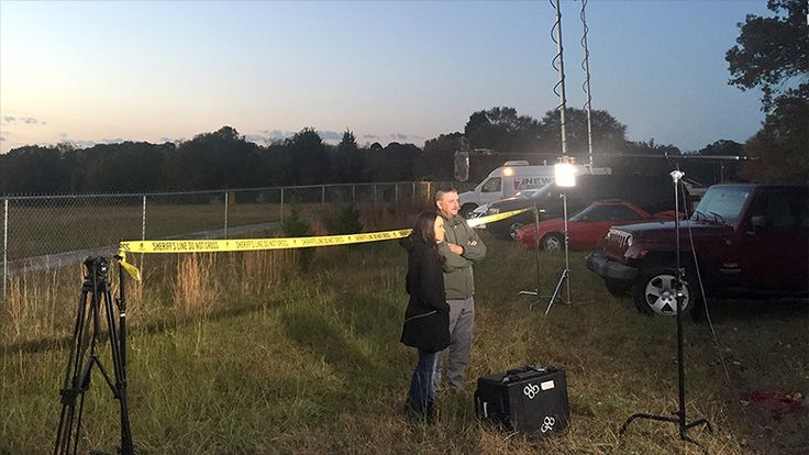 TRUST THE NEWS...ABC News has issued an apology after a photo emerged on CNNMoney showing that a crime-scene shot from a news segment had been staged. In the segment, ABC News correspondent Linsey Davis stood in fr…