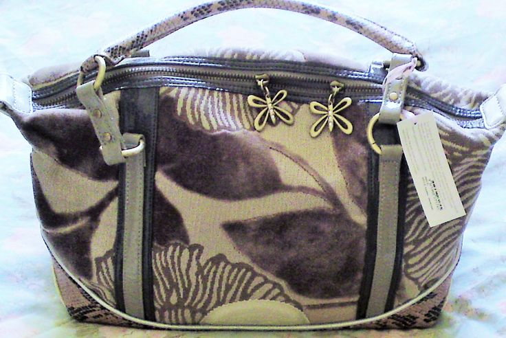 """The """"Agatha: Daydream"""" bag by Spencer & Rutherford. Bought it and ended up giving it to Jane."""