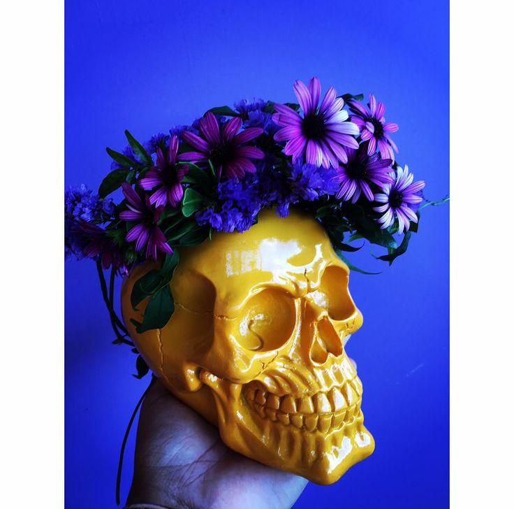 Flower crown skull by Bettie Bee Blooms. Purple Daisy, purple statice. Jasmine