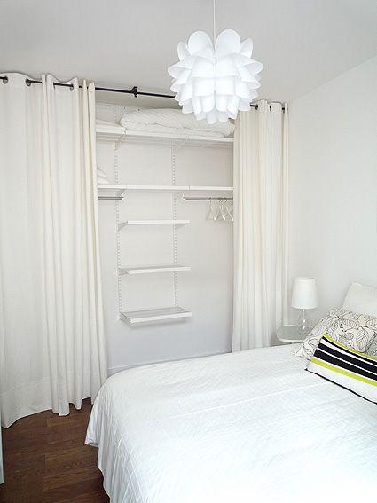 Pour la chambre de Sophie, tout à fait ce principe avec les étagères fixées au mur. Là c'est tout blanc, et ça fonctionne. donc rideaux banc et la couleur c'est le mur jaune (et tu peu ajouter une guirlande de fanion qui fait le petit côté joyeux, mais en gardant des couleurs plutot neutres)