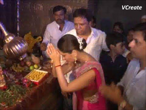 Kareena Kapoor celebrates Ganesh Chaturthi 2012 with HEROINE.