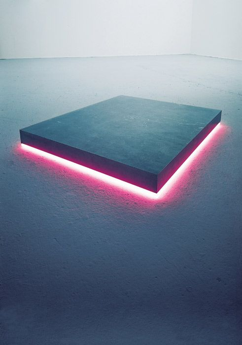 Step-On I, 1975  Aluminium block, 8 x 84 x 100 cm  Argon lighttube  Artist - Christian Herdeg