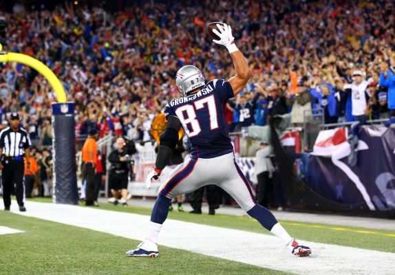 Patriots vs. Steelers -  Updated September 10, 2015 11:42 PM By NEWSDAY.COM   sports@newsday.com -      The New England Patriots beat the Pittsburgh Steelers, 28-21, Thursday at Gillette Stadium in the first game of the 2015 NFL season. - Rob Gronkowski of the New England Patriots spikes the ball to celebrate his touchdown in the second quarter against the Pittsburgh Steelers at Gillette Stadium on Sept. 10, 2015 in Foxboro, Mass.