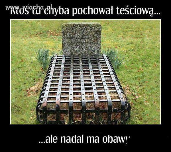 Teściowa_grób