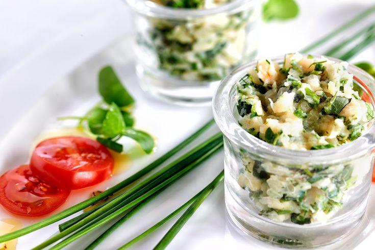 Selleriestampf mit Wildkräutern und Tomatensalat