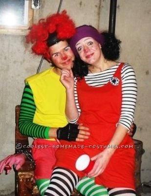 Major Bedhead and Lunette the Clown  Halloween Costume!: Comfy Couches, Couch Costumes, Couple Halloween, Clowns Halloween, Cute Couple Costumes, Originals Halloween Costumes, Homemade Costumes, Cute Couples Costumes, Original Halloween Costumes