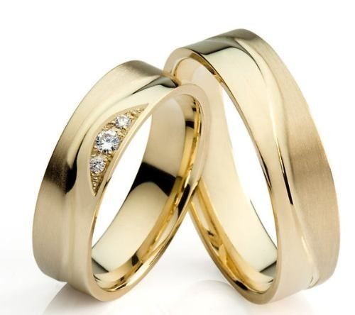 Aliança de Noivado em Ouro (Amarelo/Branco/Rose) 18k 750, contendo 01 (Um) Diamante de 1,70mm e 02 (Dois) Diamantes de 1,00mm cada, na classificação SI. Peso Aproximado 14g.