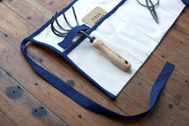 DIY gardeners roll up tool apron belt