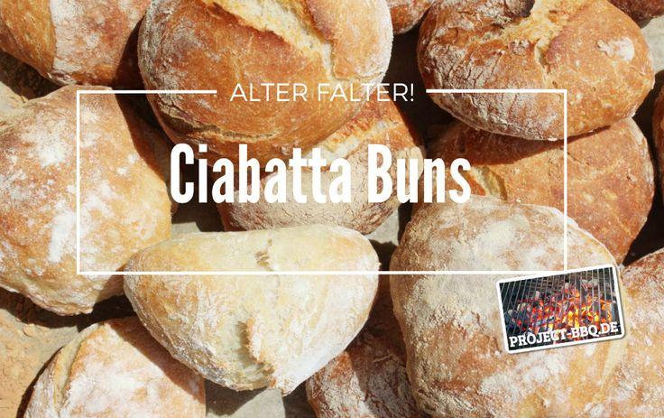 Mit ein wenig Geduld und nur wenigen Zutaten lassen sich für die eigene Burger ein paar wundervoll knusprige Ciabatta Buns formen!