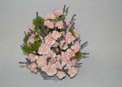aranjament floral pentru cei dragi
