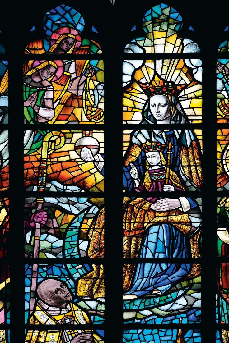 Lieja La catedral de Saint-Paul (s. XIII) se halla en el barrio de l'Île, donde en el siglo X se encontraban las instituciones religiosas.